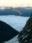 Oświetlone wschodzącym słońcem szczyty w Wysokich Taurach