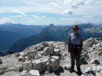 Kobieta na szczycie Prisojnik w Alpach Julijskich